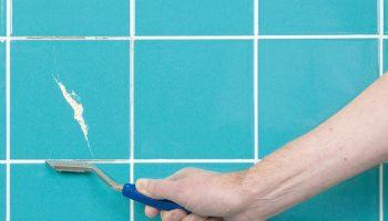 Как убрать сколы на плитке с помощью цементного «молока»