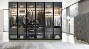 Почему не рекомендуется брать шкаф для одежды со стеклянной дверцей