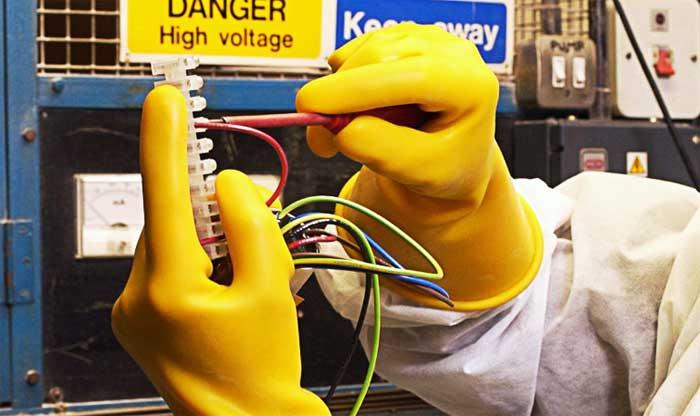 Виды диэлектрических перчаток для защиты электрика