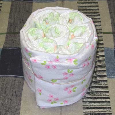 изготовление торта из памперсов