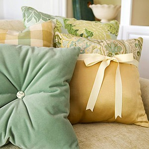как самостоятельно декорировать подушки
