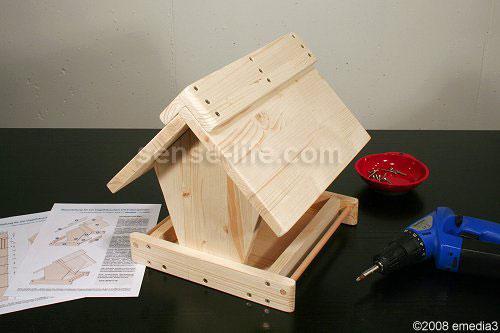 как сделать кормушку из дерева