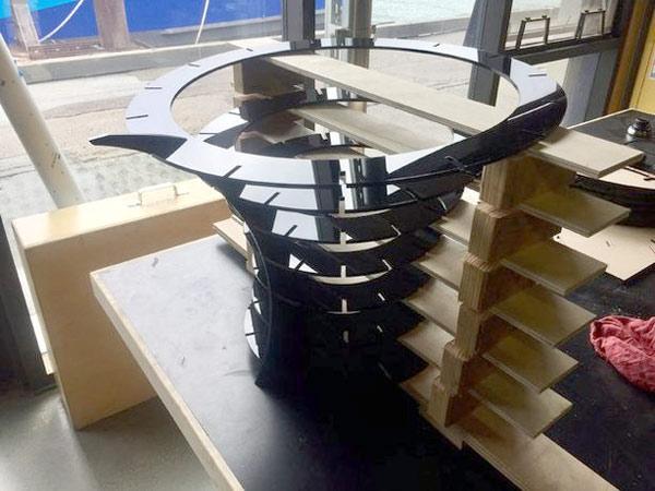 изготовление стола из акрила своими руками