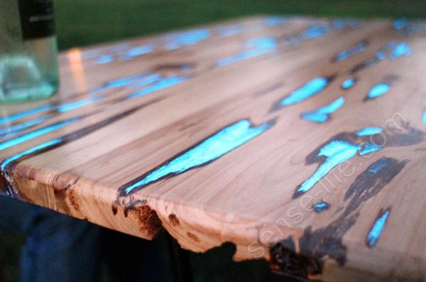 необычный светящийся стол