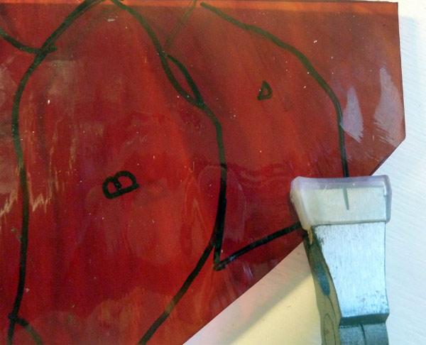 ломка витражного стекла